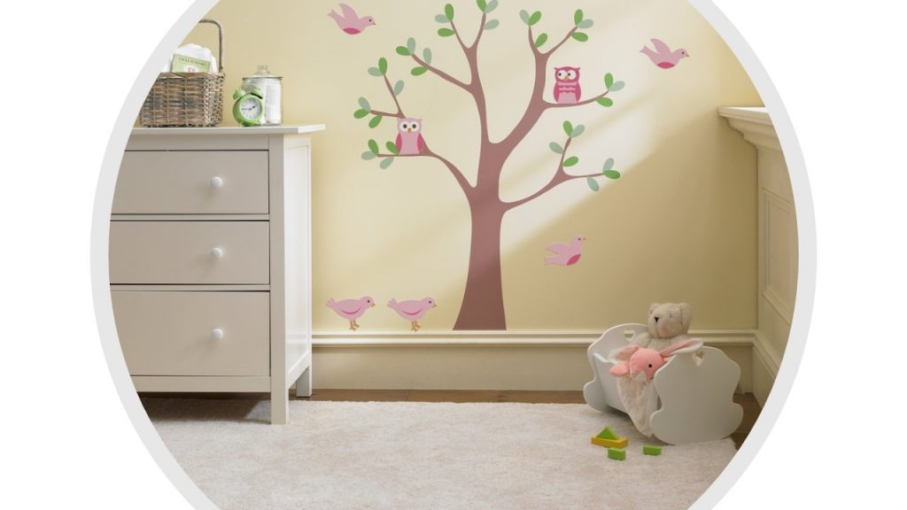 using Feng Shui principles, ideal baby room, soft colours, natural motifs, promoting relaxation, cute animal mural